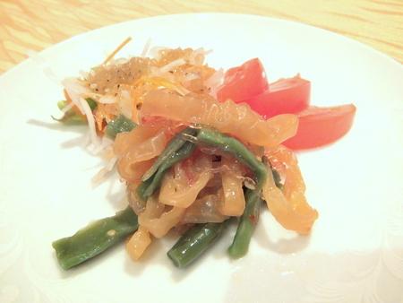 プチプチつるつる海藻麺のサラダ