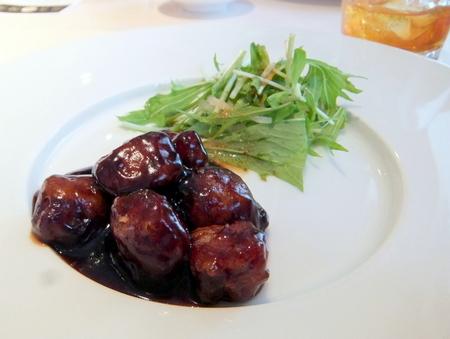 美麗華おすすめ上海風黒酢の酢豚