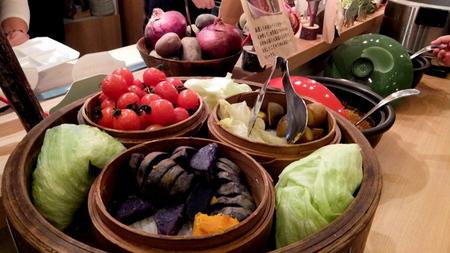 【センチュリーロイヤルホテル】「野菜&玄米」がテーマのランチブッフェ