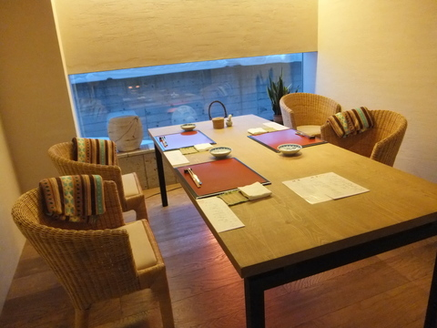【小樽旅亭 藏群】朝食はテーブル席のお部屋