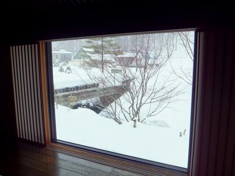 【小樽旅亭 藏群】川側和洋室からの景色