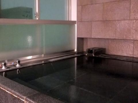 【望楼NOGUCHI函館】温泉かけ流しの展望風呂