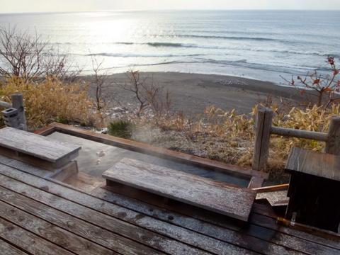 【海の別邸 ふる川】オープンテラスの足湯
