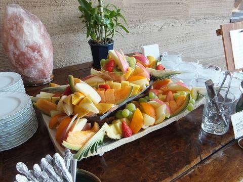 【海の別邸 ふる川】ラウンジでふるまわれていたフルーツ