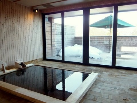 「三余庵」秋田檜を使った檜風呂