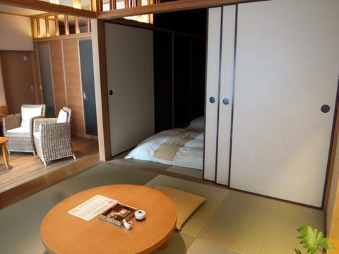 「三余庵」樋口一葉の「たけくらべ」をイメージした部屋