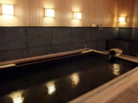【翠山亭倶楽部定山渓】3種類の自家源泉を贅沢にブレンドした大浴場