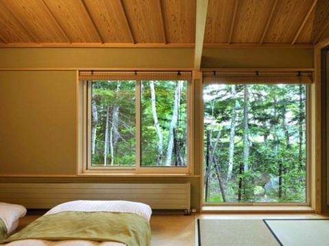【森の旅亭びえい】緑の季節は爽やかな景色が見渡せる