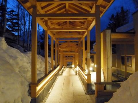 【森の旅亭びえい】渡り廊下