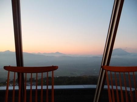 【ウィンザーホテル洞爺】夕暮れを迎える景色