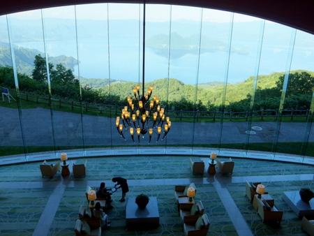 【ウィンザーホテル洞爺】ロビー上階からの眺め