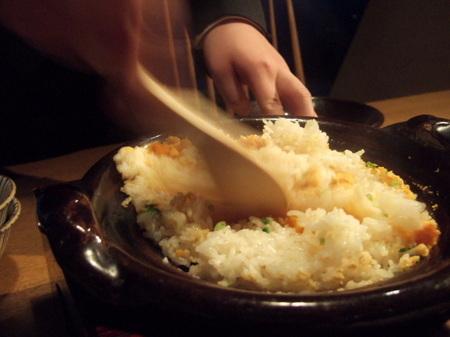 【ウィンザーホテル洞爺】夏の旬「ウニ」の炊き込みご飯