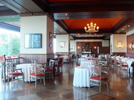 【ウィンザーホテル洞爺】船内をイメージしたレストラン