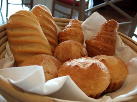 【ウィンザーホテル洞爺】「ホテルブーランジェリー」の焼きたてパン
