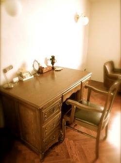 客室のアンティーク家具