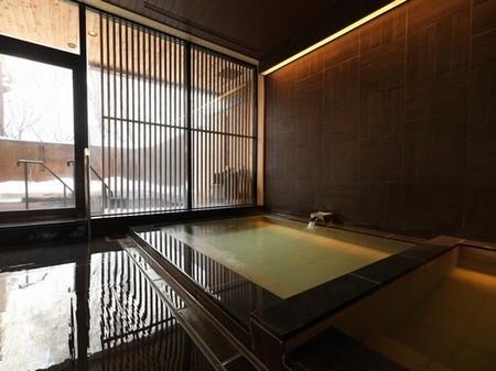 「ニセコ昆布温泉鶴雅別荘 杢の抄」大浴場