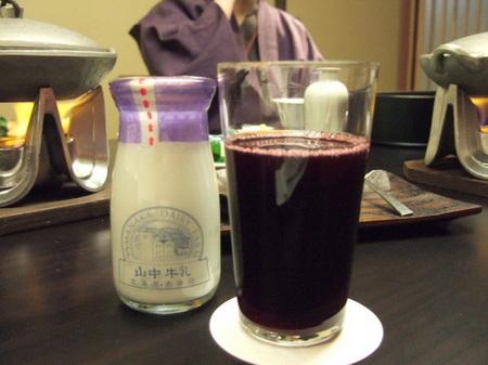 赤井川・山中牧場の牛乳や果実のジュース