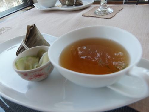 オニオンスープに中華チマキ