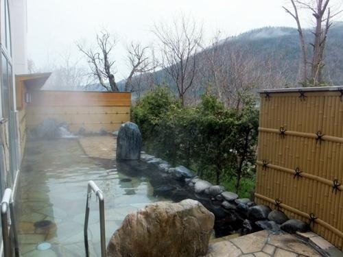 丸瀬布温泉「マウレ山荘」露天風呂