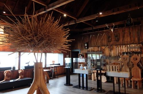 エコミュージアムおさしまセンター「砂澤ビッキ記念館」作品の数々