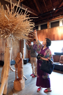 エコミュージアムおさしまセンター「砂澤ビッキ記念館」体験型の作品
