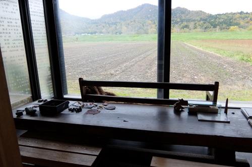 砂澤ビッキが愛した音威子府の、のどかな自然も感じ取れる空間