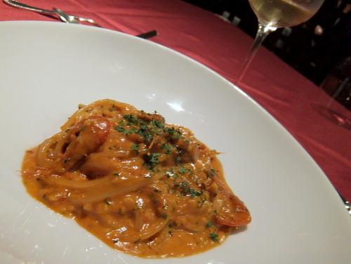 イタリアンレストラン「azzurro(アズーロ)」支笏湖産川エビとワタリ蟹でだしをとったスパゲティー