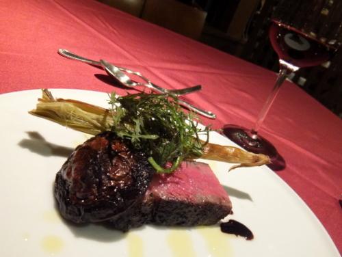 イタリアンレストラン「azzurro(アズーロ)」白老牛の炭火焼