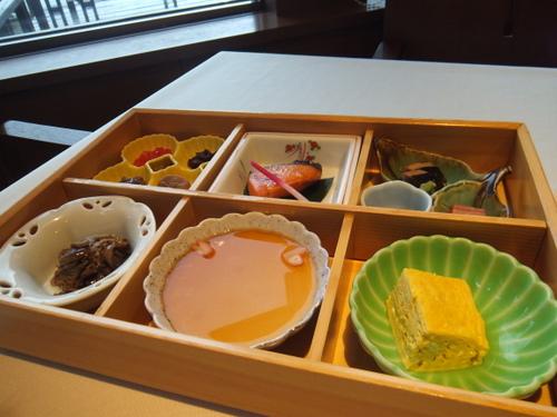 「レイクサイドヴィラ翠明閣」朝食一例