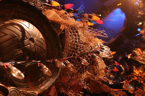 劇団四季【キャッツ】木彫りの熊の他にジンギスカン鍋まで