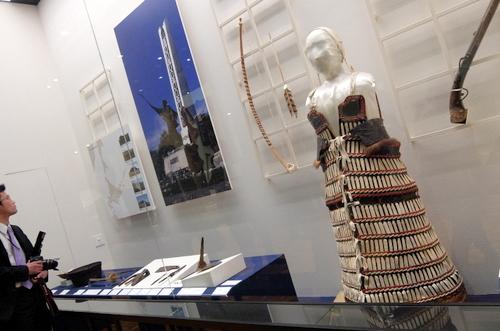 「北海道博物館~森のちゃれんが」アイヌの鎧や武器の展示