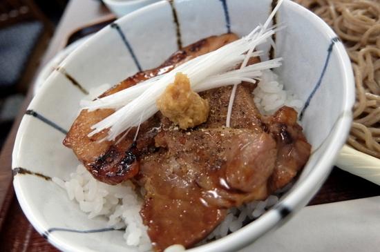ハーフサイズの豚丼