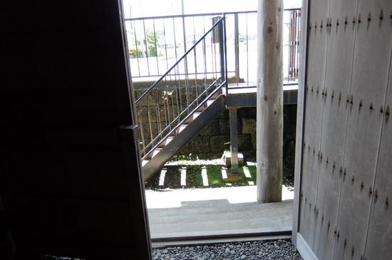 国の重要文化財「江差町旧中村家住宅」浜側
