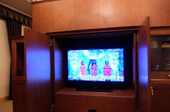 ホテルエミシア札幌 リビングボードにテレビ