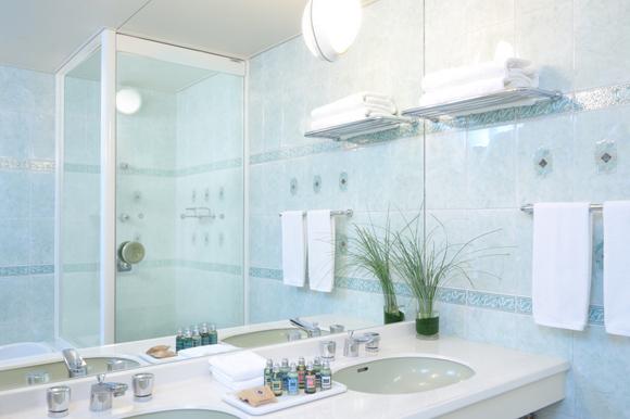 ホテルエミシア札幌 浴室