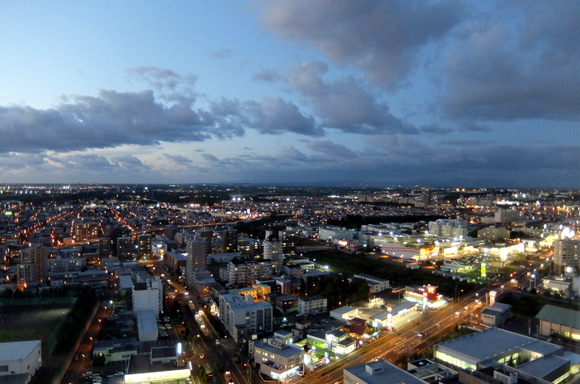 ホテルエミシア札幌からの夕景