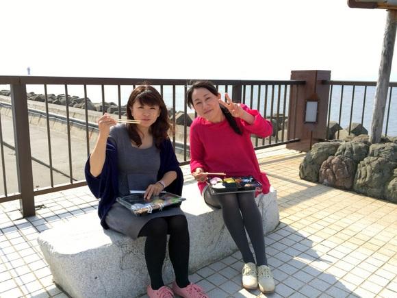 納沙布岬で海を眺めながらお弁当を食す