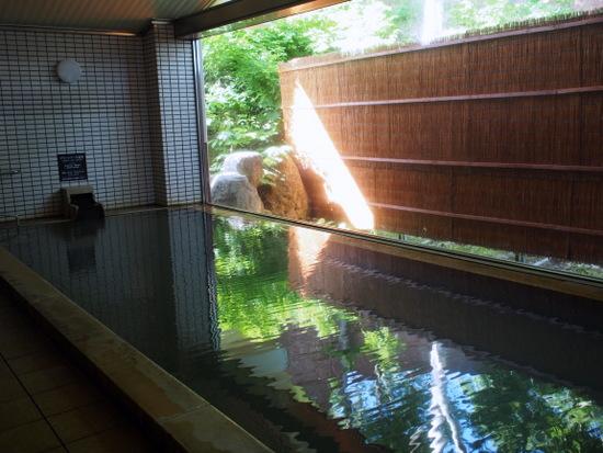 源泉かけ流しの天然温泉「美人の湯」