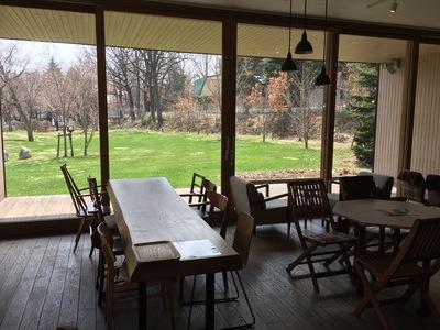 チーズケーキ・お菓子・カフェ『十勝トテッポ工房』購入したスイーツをその場で食べられるカフェを併設しています。