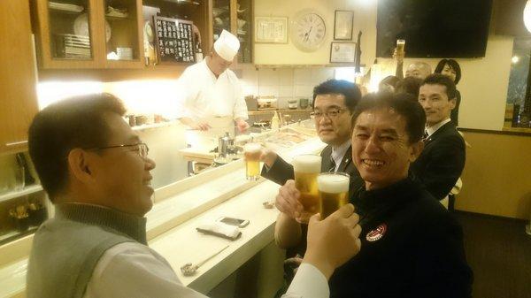 「鮨肴匠くりや」ビールで乾杯