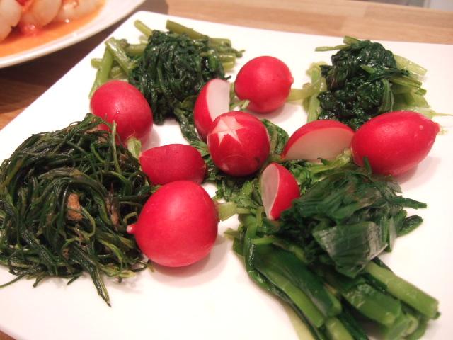 野菜のオードブルは、オカヒジキ・ニラ・春菊・小松菜のマリネに 甘~いラディシュのソルトマリネ