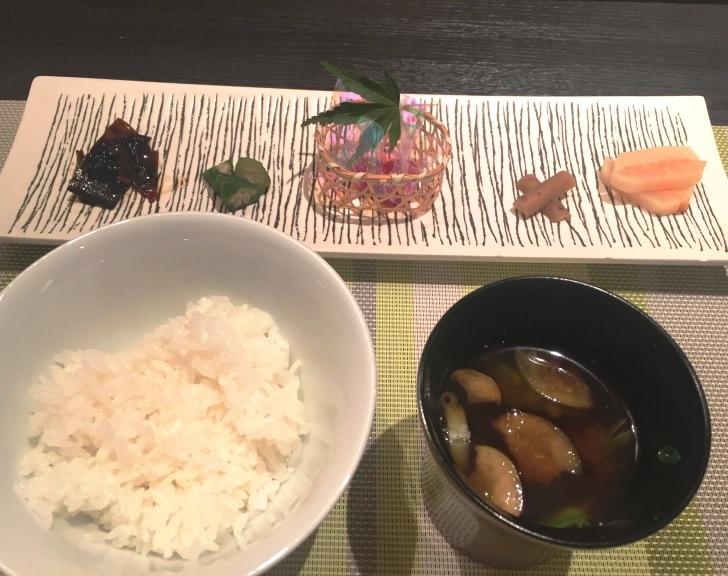 章月グランドホテルのお食事、ご飯とお味噌汁