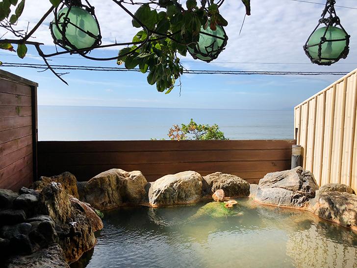 漁火館自慢の源泉100%掛け流しの露天風呂