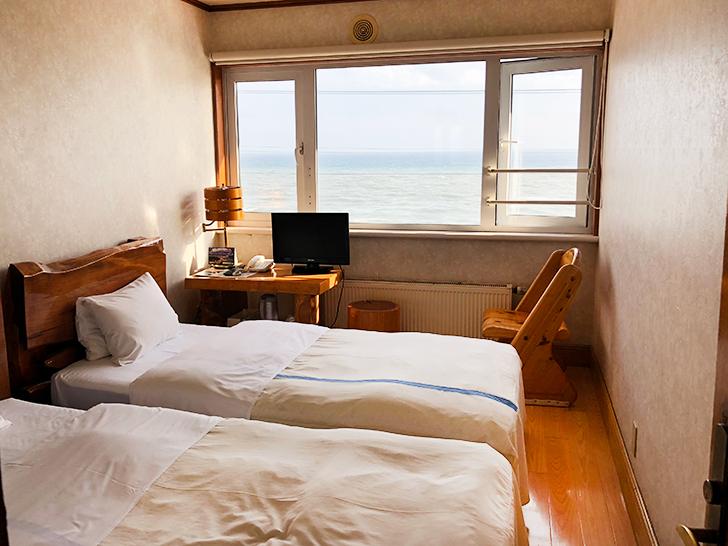 漁火館の本館海側ツイン客室はこちら