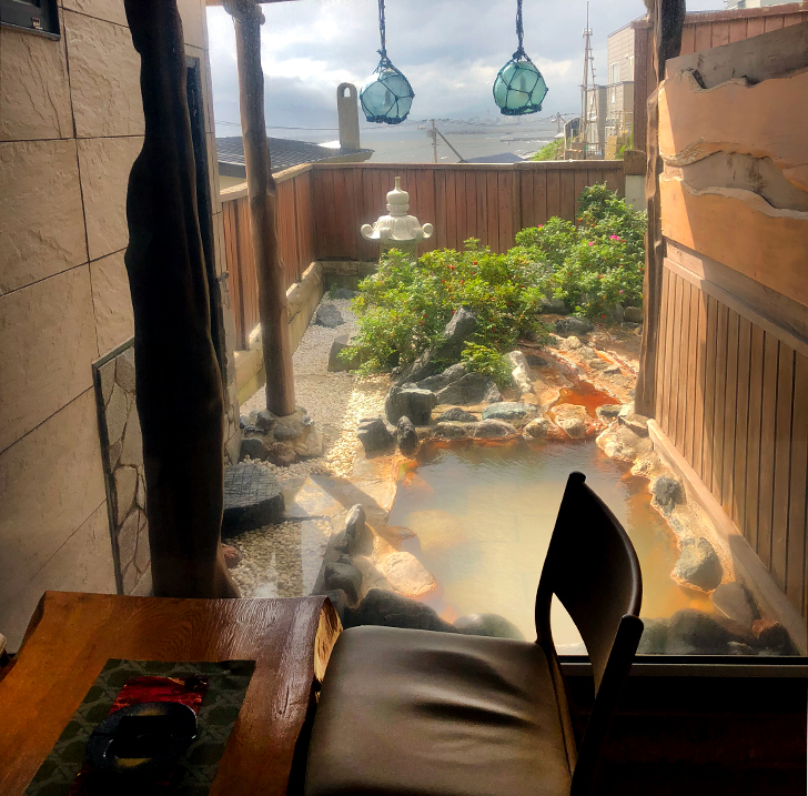 漁火館新館露天風呂付和室の露天風呂