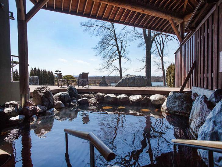 十勝川温泉 観月苑の庭園露天風呂
