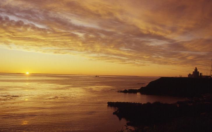 納沙布岬から眺める朝陽