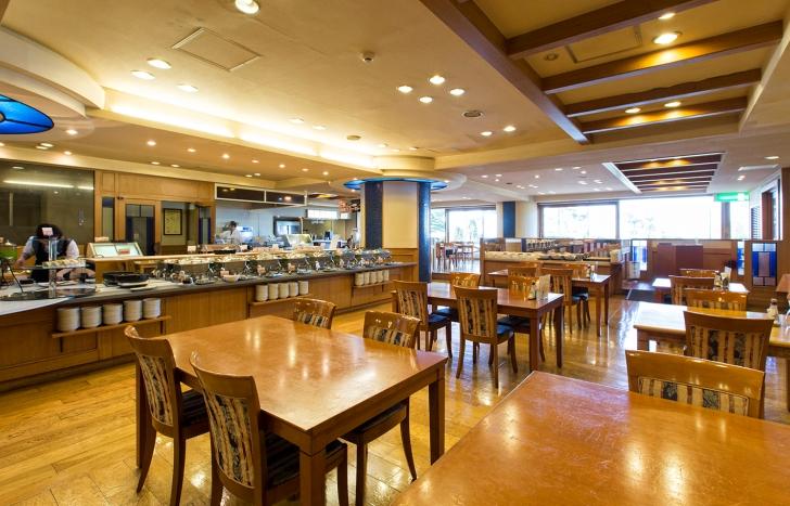 夕食会場のレストラン「中島」