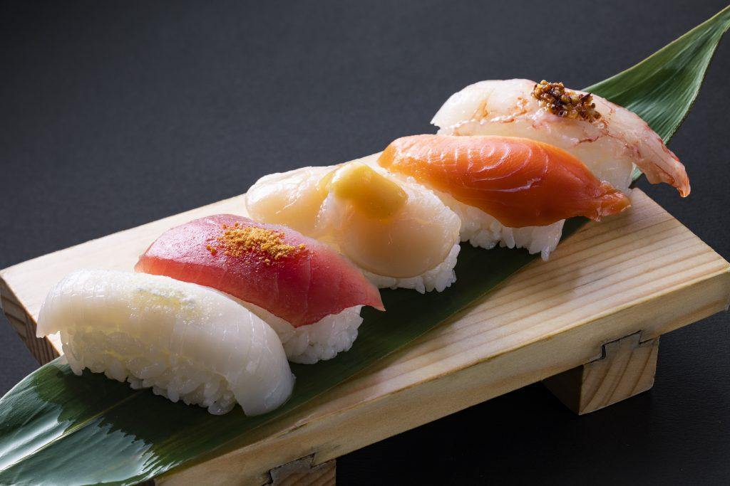 握り寿司5カン