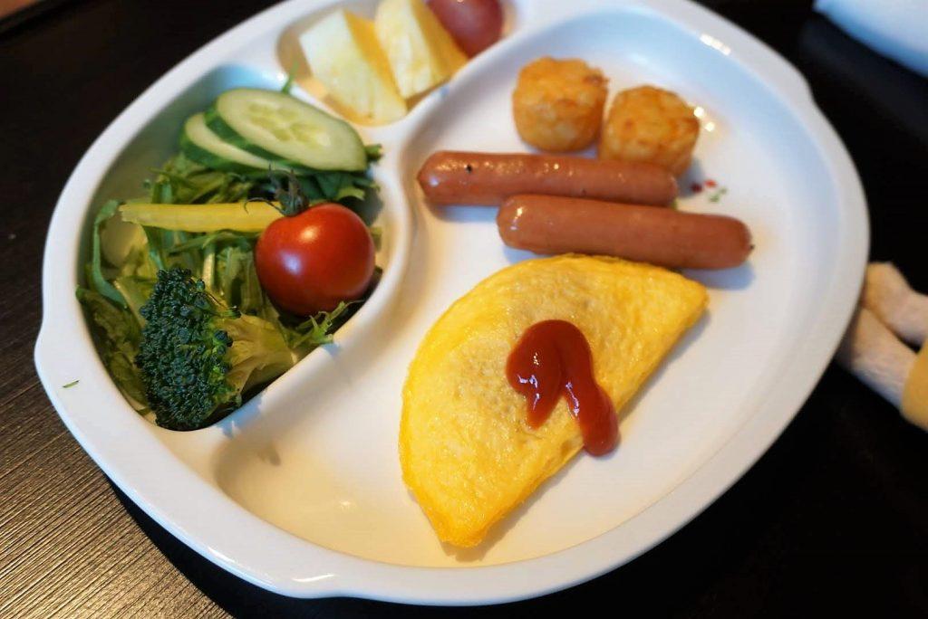 お子様用の朝食